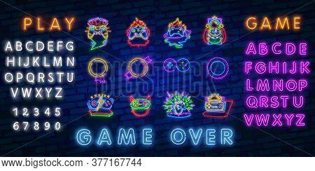 Neon Video Games Logos Collection Neon Sign Vector Design Template. Conceptual Vr Games, Retro Game