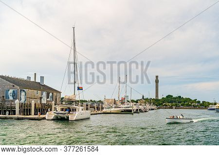 Provincetown, Cape Cod, Massachusetts, Us - August 21, 2019 Catamaran And His Crew Looking For A Wha