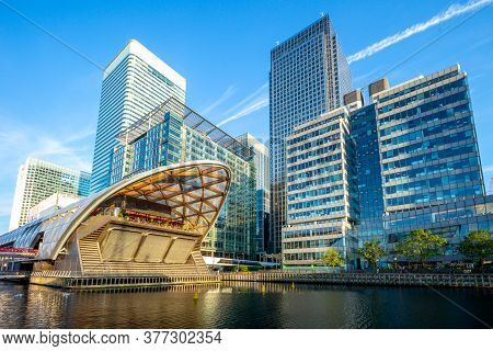 Canary Wharf On The Isle Of Dogs In London, Uk