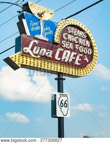 Mitchell Usa - September 1 2015; Rustic Retro Neon Sign On Route 66 For Luna Cafe Has A History Dati