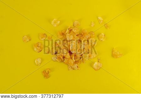 A Messy Bunch Roasted Potato Chips Flat Lay On The Colorful Background, Simple Minimalist Style