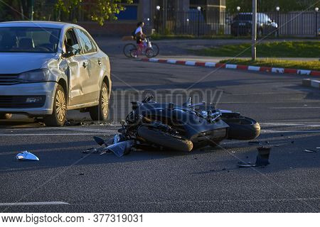 A Motobike Crashed Into A Car A Motorcyclist Was Injured Police Investigation Fingerprint Investigat