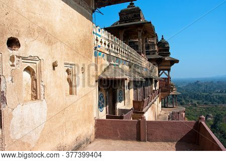 Orchha, India: Ancient Fortress Balconies And Historical Landscape Behind The Citadel Of Jahangir On