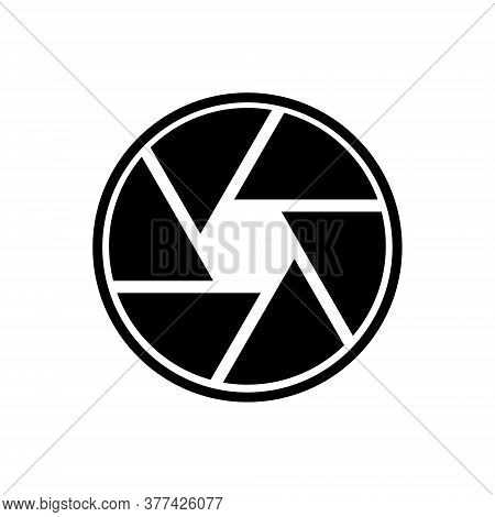 Camera Shutter Outline Icon Isolated. Symbol, Logo Illustration For Mobile Concept And Web Design.