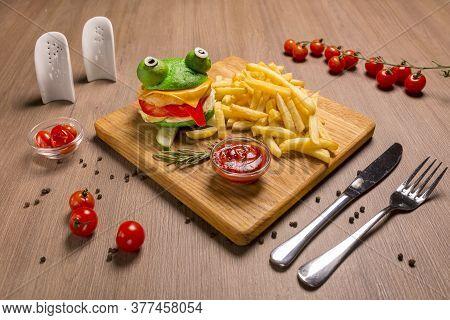 Crazy Frog Burger Chicken Fillet Cutlet, Toast Cheese, Dried Burger Bun, Green, Ketchup, Fresh Tomat