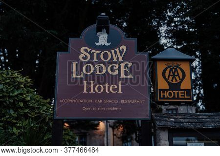 Stow-on-the-wold, Uk - July 6, 2020: Name Sign Outside Stow Lodge Hotel In Stow-on-the-wold, A Marke