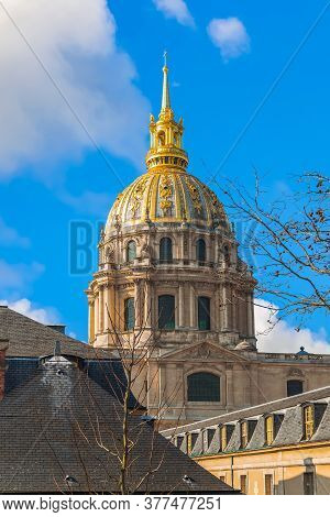 View Of The Dome Of Saint Louis Des Invalides Cathedral In The National Residence Of The Invalids (h