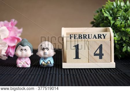 February 14, Japanese Cover Calendar With Number Cube.
