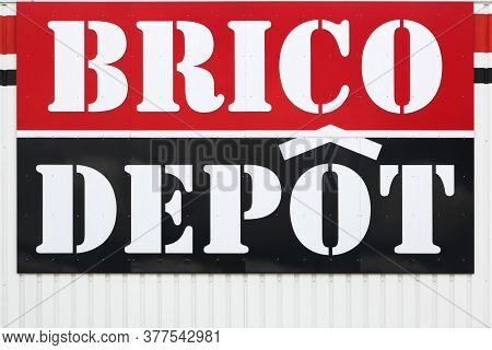 Villefranche, France - June 7, 2020: Brico Depot Logo On A Wall. Brico Depot Is A French Chain Of Di