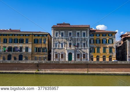 Pisa, Italy - August 14, 2019: The Palazzo Lanfreducci, Also Called The Palazzo Upezzinghi Or Palazz
