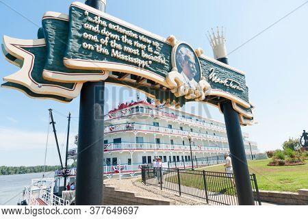 Hannibal Usa - September 4 2015; American Eagle  Paddlewheel Riverboat American Eagle Docked At Hann