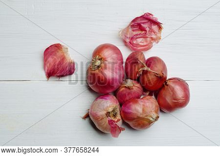 Shallot Put Together As A Group Small And Large And Spices Cooking Shallot Fresh From The Garden Sha