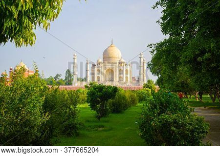 Taj Mahal Full View During Day Time In Agra India, The Taj Among 7 Wonders Of The World View. Wonder