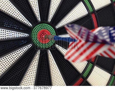 Bullseye Darts Dartboard With American Flag Dart