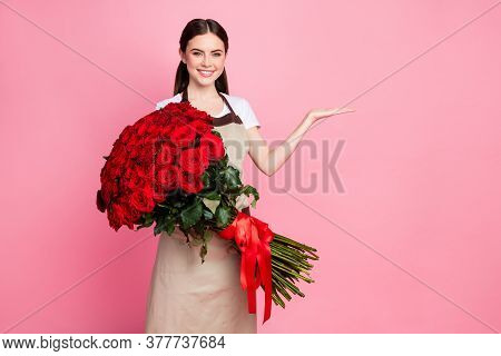 Photo Of Attractive Friendly Floral Shop Assistant Lady Cheerful Mood Hold One Hundred Roses Bunch L