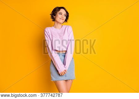 Portrait Of Her She Nice Attractive Lovely Lovable Pretty Cute Cheerful Cheery Shy Dreamy Girl Posin