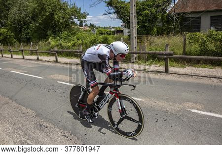 Bourgoin-jallieu, France - 07, May, 2017: The French Cyclist Warren Barguil Of Sunweb Team Riding Du