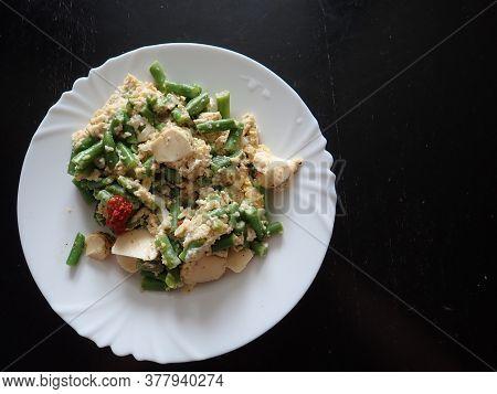Fresh Warm Green Beans Salad