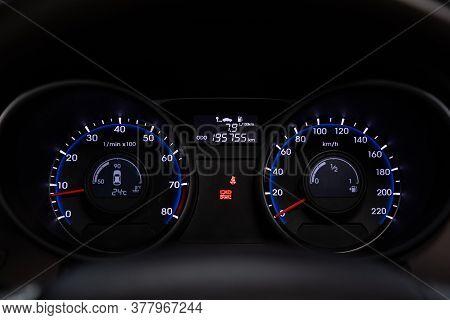 Novosibirsk/ Russia - July 18 2020: Hyundai Ix35,  Round Speedometer, Odometer With A Range Of 195 T