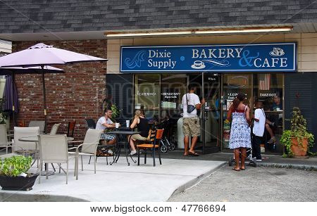 Dixie Supply Bakery And Cafe In Charleston