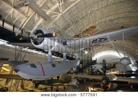 Vought Sikorsky Os2U-3 Kingfisher och andra flygplan