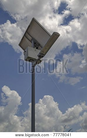 Autonomous solar lighting system