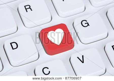 Searching Partner And Love Online On Internet Dating Computer