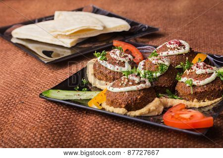 Arab food. Meat balls.