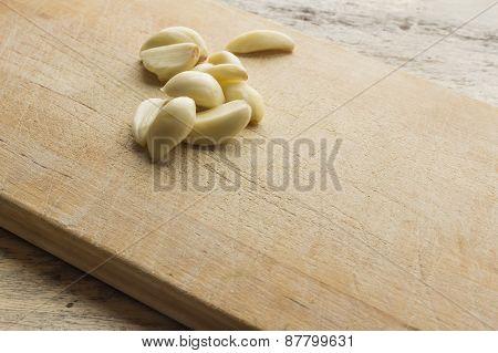 Fresh Pealed Garlic Cloves