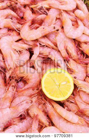 whole prawns with lemon