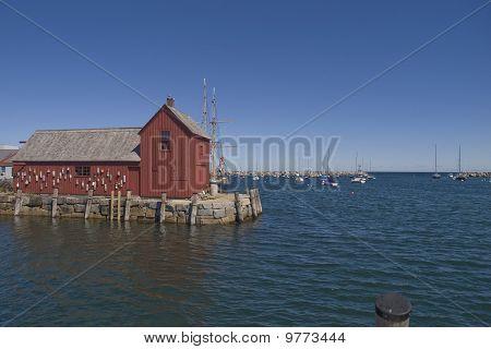 red barn in rockport massachusetts