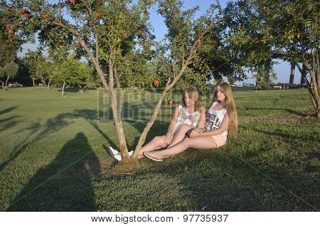 Blonde Teen Girls