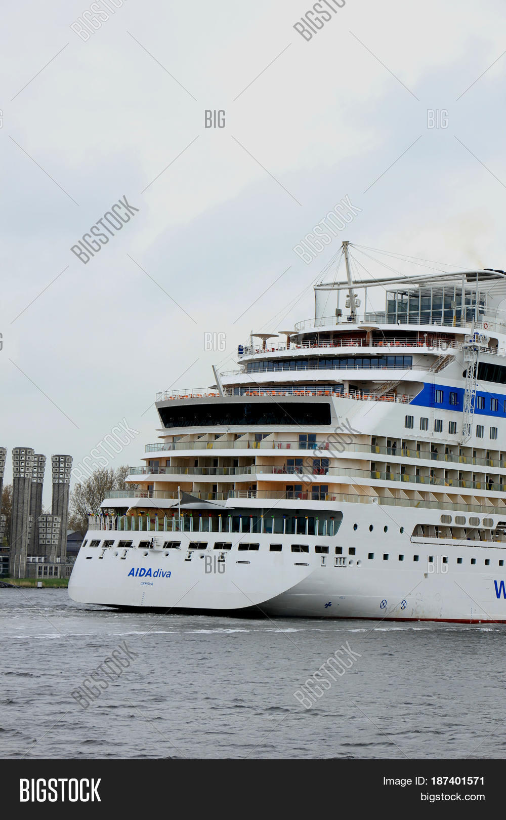 Velsen the Netherlands -April 24th 2017  Aida Diva on North Sea Canal on  it s 1ff5cedc76