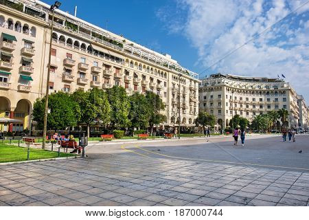 THESSALONIKI GREECE - SEPTEMBER 17 2016: Everyday life on the Aristotelous (Aristotle) Square