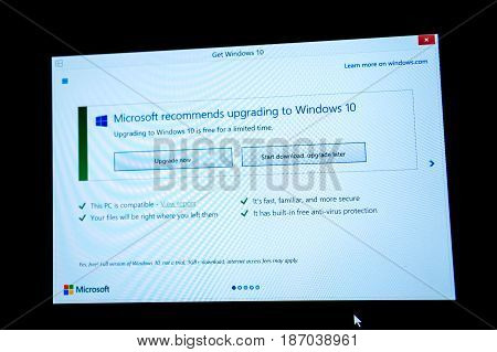 PARIS FRANCE - JAN 7 2016: Two option on computer screen - Start Download and Start Download and Upgrade later during the upgrade to Microsoft Windows 10