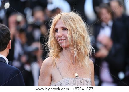 Sandrine Kiberlain attends the 'Ismael's Ghosts (Les Fantomes d'Ismael)' screening and Opening Gala during the 70th annual Cannes Film Festival at Palais  on May 17, 2017 in Cannes, France.