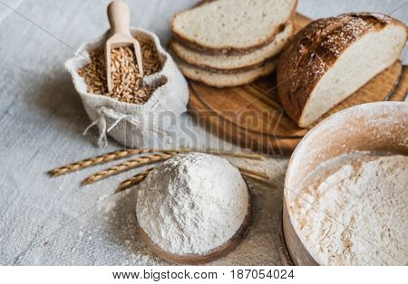 wheat and spelt flour on the table