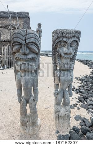 Tiki Statue Traditional Stutue of Hawaiian USA
