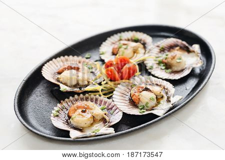 fresh steamed gourmet scallop with asian sweet sour seafood sauce snack