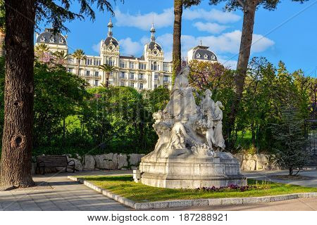 Monument To Queen Victoria In Nice