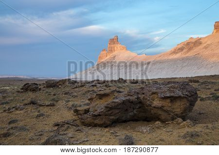 Morning dawn, peaked rocks in the canyon of Boszhira, chines Plateau Ustyurt, Kazakhstan