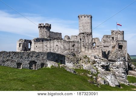 Ogrodzieniec Castle Is A Ruined Medieval Castle In The Krakow-czestochowa Upland In Poland. Located