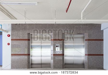 Elevator lift in office Lift transportation floor to floors with push switch for up and down