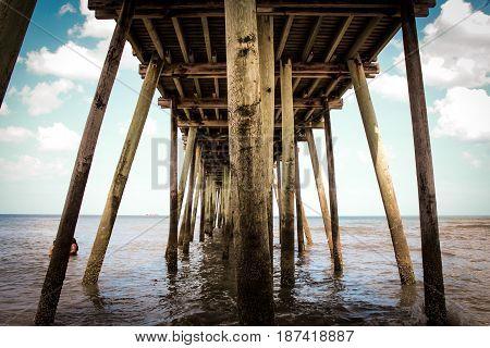clear day under the virginia beach pier