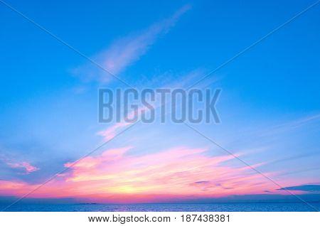 Bright Horizon Skies View