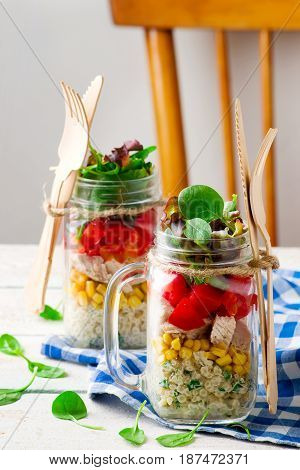 ranch chicken salad in a jar mason jar meals.stile vintage.selective focus