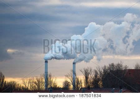 Smoke Chimneys With Polluting Discharges