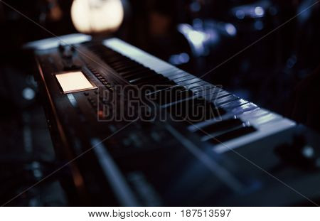 keyboard synthesizer, musical instrument on the concert stage