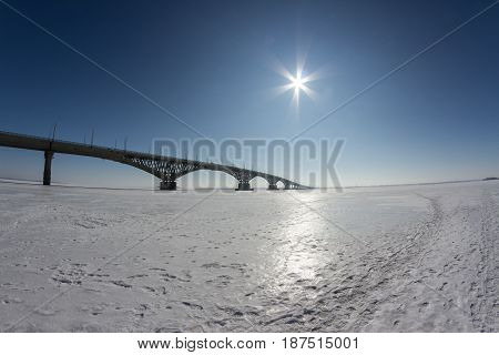 Bridge on the Volga river between the cities of Saratov and Engels, winter, Russia
