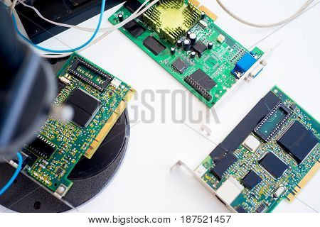 Set of computer hardware on a table